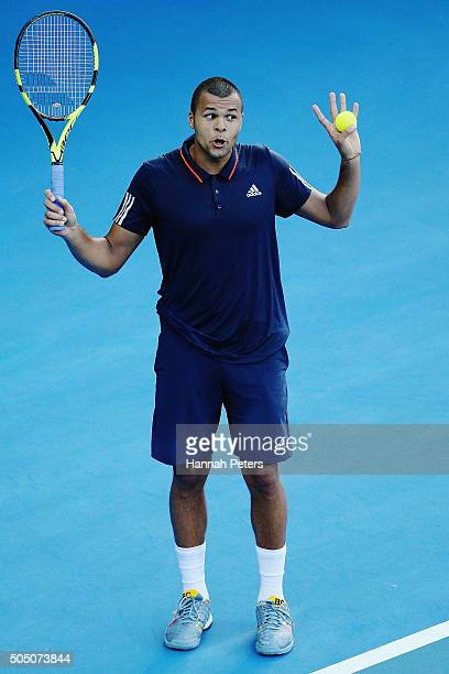 JoWilfried Tsonga of France reacts with the umpire during his semi final match against Roberto Bautista Agut of Spain day five of the 2016 ASB...