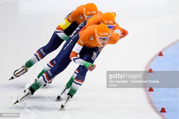 Joy Beune Jutta Leerdam and Elisa Dul of the Netherlands perform in the ladies team pursuit during the World Junior Speed Skating Championships at...