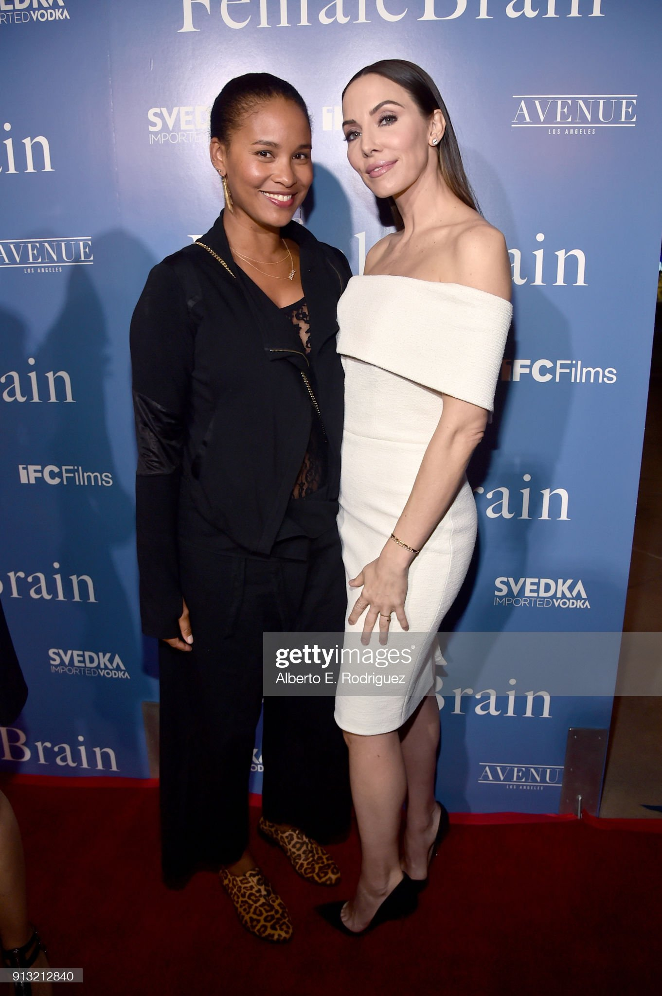 ¿Cuánto mide Joy Bryant? - Real height Joy-bryant-and-whitney-cummings-attend-the-premiere-of-ifc-films-the-picture-id913212840?s=2048x2048