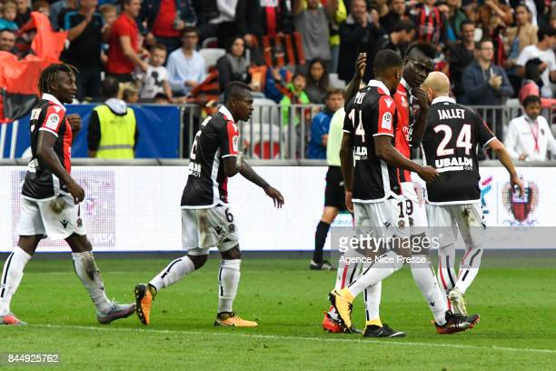 Joy of Mario Balotelli and teammates of Nice during the Ligue 1 match between OGC Nice and AS Monaco at Allianz Riviera on September 9 2017 in Nice