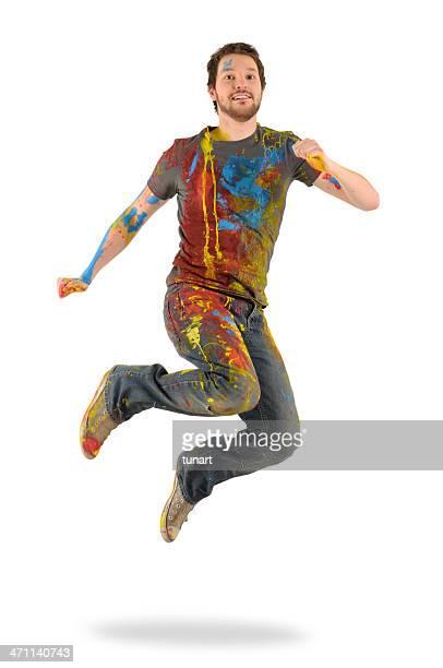 Uomo saltando di gioia