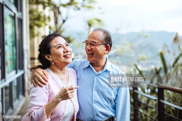 joyful moments - retirement stock pictures, royalty-free photos & images