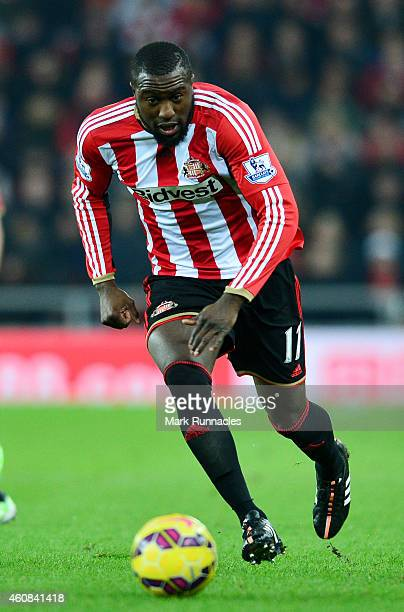 Jozy Altidore of Sunderland runs with the ball during the Barclays Premier League match between Sunderland and Hull City at the Stadium of Light on...