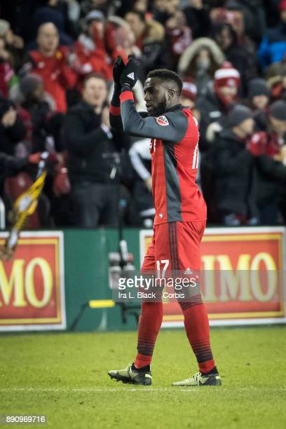Jozy Altidore of Toronto FC claps to the fans as he is substituted out in the 2nd half of the 2017 Audi MLS Championship Cup match between Toronto FC...