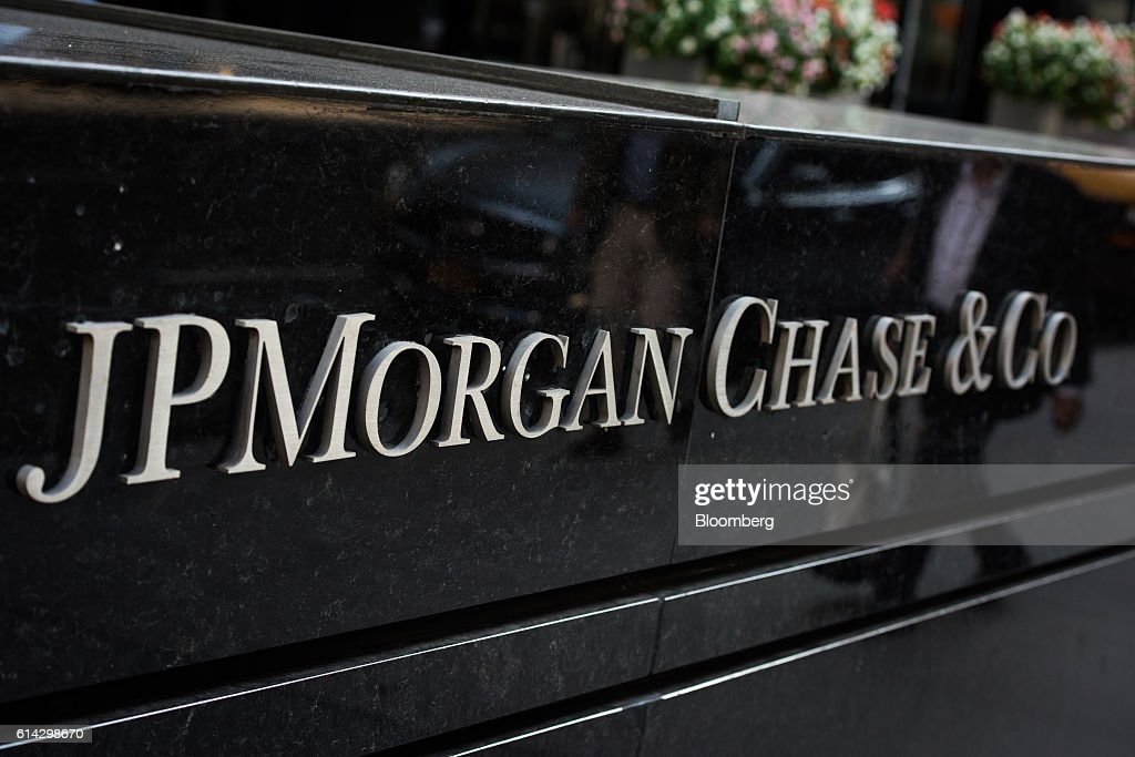 JPMorgan Chase & Co. signage is displayed outside the company's Park Avenue office building in New York, U.S., on Friday, Oct. 7, 2016. JPMorgan Chase & Co. is scheduled to release earnings figures on October 14. Photographer: Mark Kauzlarich/Bloomberg via Getty Images