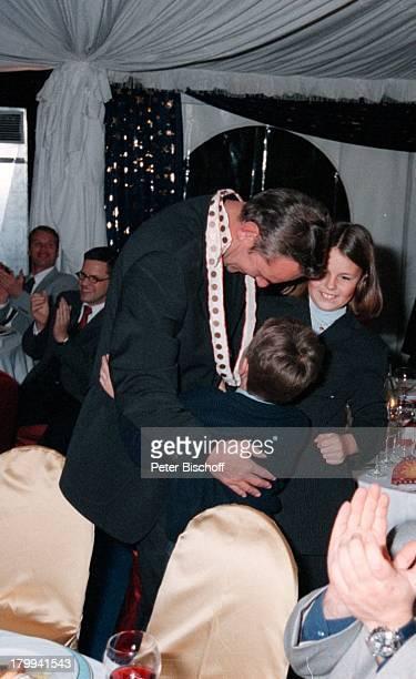 Jörg Wontorra mit Sohn Marcel und TochterLaura 50 Geburtstagsfeier von JörgWontorra Bremen