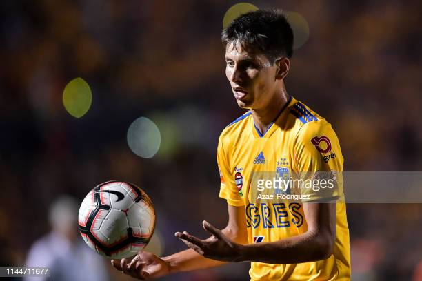 Jürgen Damm, #25 of Tigres, handles the ball during the final first leg match between Tigres UANL and Monterrey as part of the CONCACAF Champions...