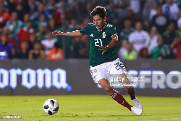 Jürgen Damm of Mexico controls the ball during the international friendly match between Mexico and Chile at La Corregidora Stadium on October 16 2018...