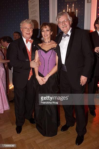 Jürgen Hartmann + Carlo Von Tiedemann + Freundin Julia Laubrunn Beim Presseball In Hamburg 260102