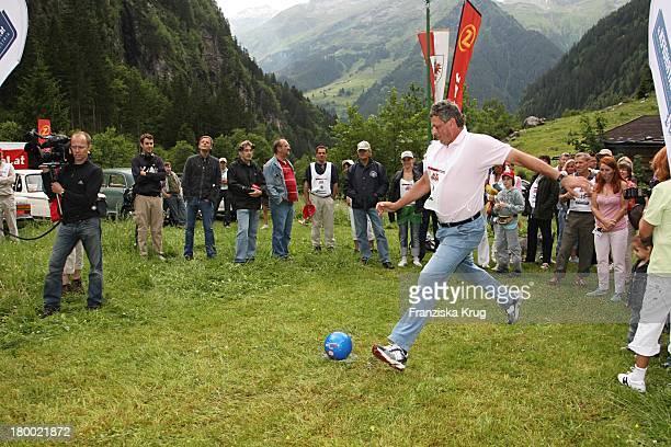 """Jürgen Hingsen Bei Der Ersten Etappe Vom """"Grossen Grenzverkehr 2007"""" In Amerang Am 150607 ."""