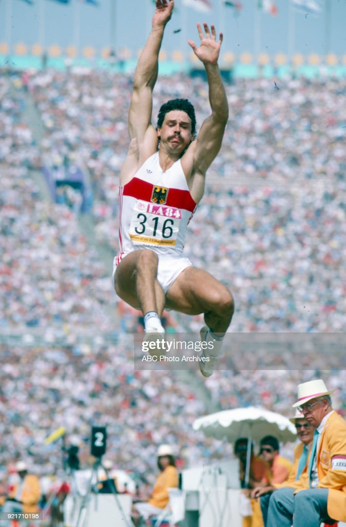 Men's Decathlon Long Jump Competition At The 1984 Summer Olympics : Foto di attualità