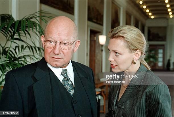 """Jürgen Holtz und Constanze Engelbrecht,;ZDF-Film """"Der Prinzgemahl"""" 1997,"""