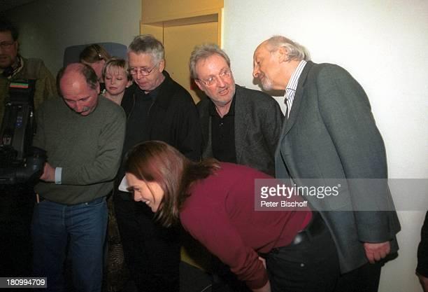 Jürgen Koch Wollf Neubauer Karl Dall vorn Tochter Janina Dall bei der ARD/RBTalkshow III nach 9 Bremen Garderobe Stunt