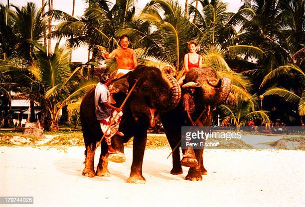 Jürgen Pooch mit Ehefrau Christel Basilon Elefanten Urlaub Sri Lanka/Asien/Indischer Ozean Tier