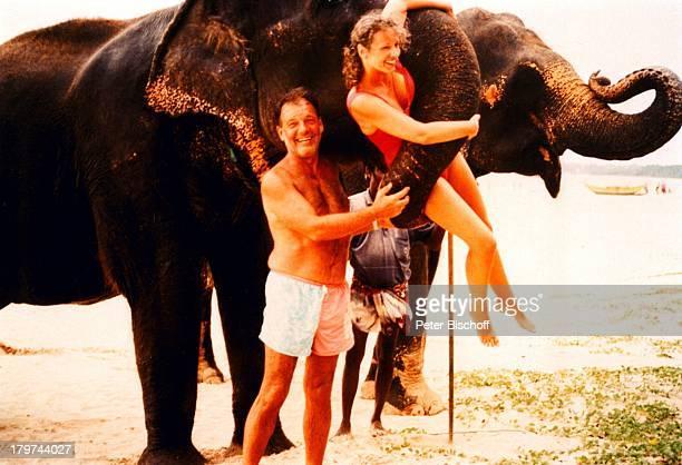 Jürgen Pooch mit Ehefrau Christel BasilonElefanten Urlaub Sri Lanka/Asien/Indischer Ozean Tier
