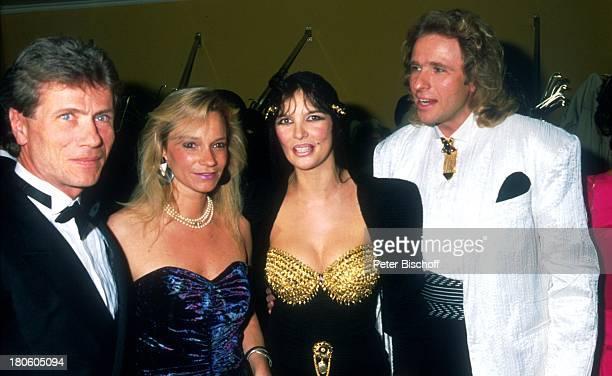 Jürgen Prochnow Birgit Stein Thea Gottschalk Ehemann Thomas Gottschalk 'Deutscher Filmball 1989' 'Hotel Bayerischer Hof' München Deutschland Ball...