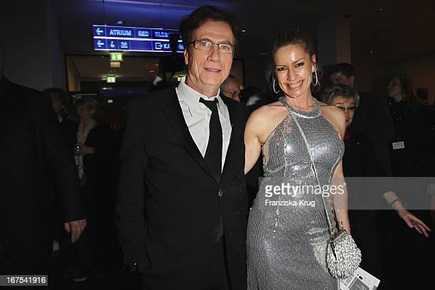 Jürgen Prochnow Und Birgit Stein Bei Der Afterparty Zur Eröffnungsgala Der 60 Berlinale Im Moskau In Berlin
