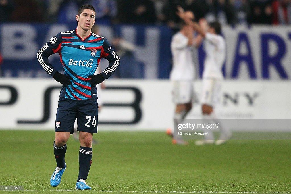 FC Schalke 04 v Olympique Lyonnais - UEFA Champions League : Photo d'actualité