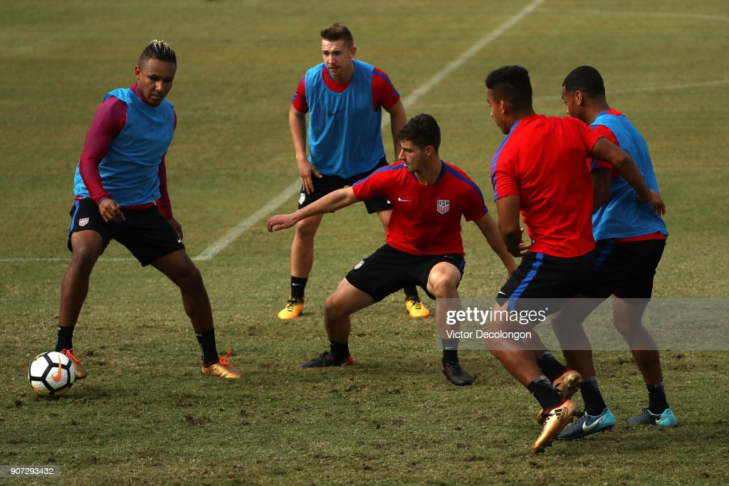 Juan Agudelo, Russell Canouse, Ian Harkes, Brandon Vincent and Tyler Adams of the U.S. Men's National Soccer Team pass the ball during training at StubHub Center on January 19, 2018 in Carson, California.