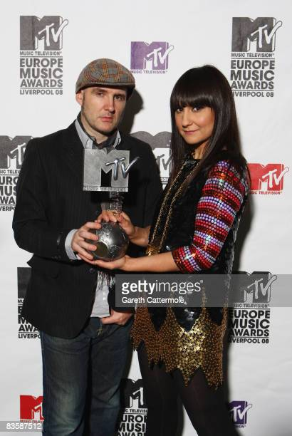 Juan Aguirre and Eva Amaral of Amaral Regional Award Winners for Spain pose with their award during the MTV Europe Music Awards held at the Liverpool...