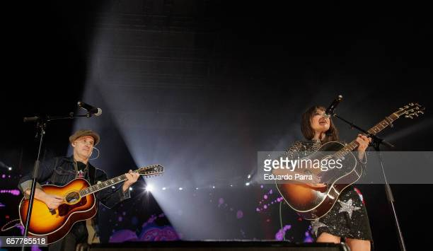 Juan Aguirre and Eva Amaral of pop band Amaral perform at the 'La Noche de Cadena 100' gala at Wizink Center on March 25 2017 in Madrid Spain