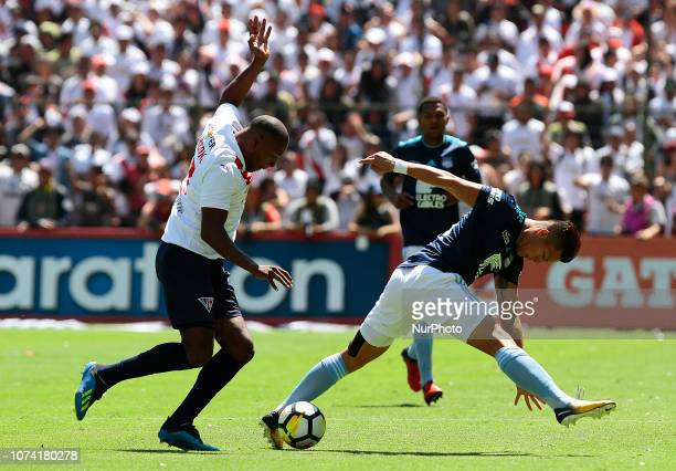 Juan Anangono, left. Of LDU Quito before the mark of Marlon Mejía of the CS Emelec during the final of the Havoline Cup played at the Rodrigo Paz...