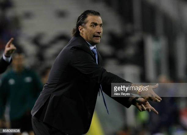 Juan Antonio Pizzi coach of Chile shouts intructions to his players during a match between Chile and Ecuador as part of FIFA 2018 World Cup...