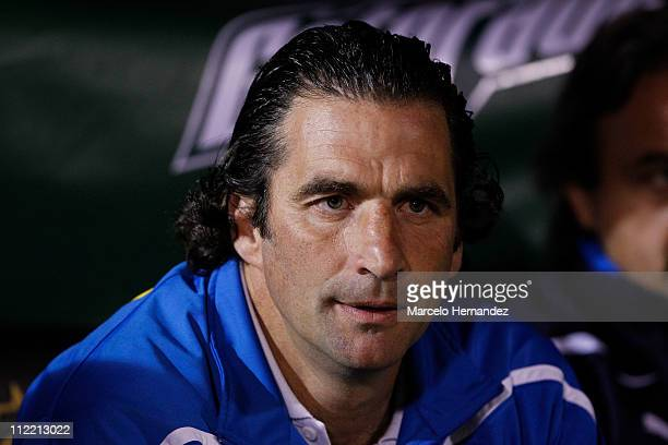 Juan Antonio Pizzi head coach of Universidad Catolica looks to his players during the soccer game against Union Espanola on Santander Libertadores...