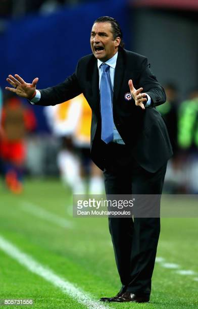 Juan Antonio Pizzi of Chile gives his team instructions during the FIFA Confederations Cup Russia 2017 Final between Chile and Germany at Saint...