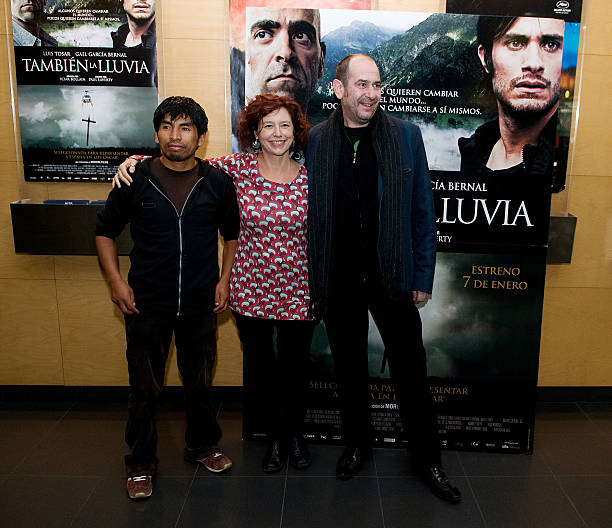 tambien la lluvia photocall in barcelona photos and images getty