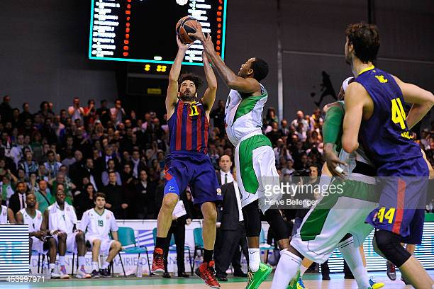 Juan Carlos Navarro #11 of FC Barcelona in action during the 20132014 Turkish Airlines Euroleague Regular Season Date 8 game between JSF Nanterre v...