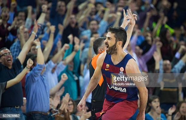 Juan Carlos Navarro #11 of FC Barcelona Lassa celebrates during the 20152016 Turkish Airlines Euroleague Basketball Playoffs Game 4 between FC...