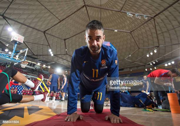 Juan Carlos Navarro #11 of FC Barcelona Lassa stretching prior the 2017/2018 Turkish Airlines EuroLeague Regular Season game between FC Barcelona...