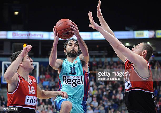 Juan Carlos Navarro #11 of FC Barcelona Regal in action during the 20122013 Turkish Airlines Euroleague Regular Season Game Day 2 between Lietuvos...