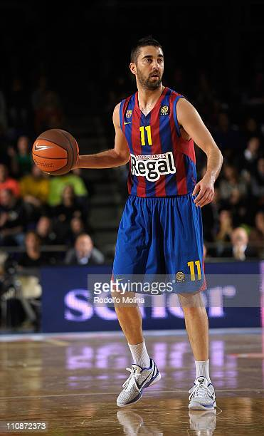 Juan Carlos Navarro #11 of Regal FC Barcelona in action during the PlayOffs Date 1 game between Regal FC Barcelona and Panathinaikos Athens at Palau...