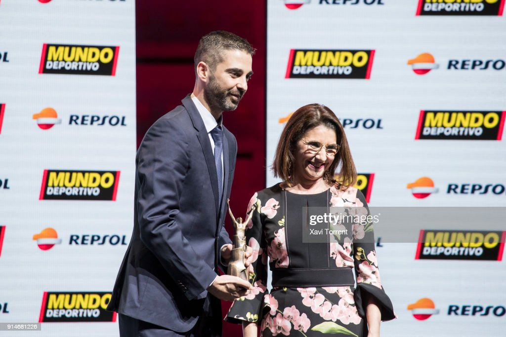 Juan Carlos Navarro receives the exceptional sports trajectory award during the 70th Mundo Deportivo Gala on February 5, 2018 in Barcelona, Spain.