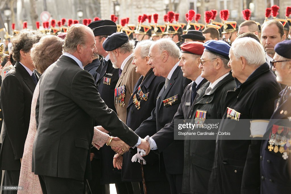 HRH Juan Carlos of Spain at the Tomb of the Unknown Soldier, under the Arc de Triomphe in Paris during his state visit.