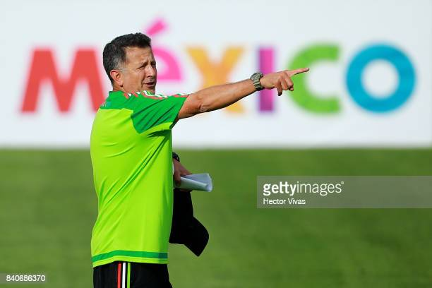 Juan Carlos Osorio coach of Mexico gestures during a training session at Centenario Stadium on August 28 2017 in Cuernavaca Mexico