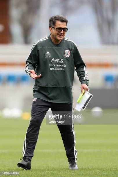 Juan Carlos Osorio coach of Mexico gestures during the Mexico National Team training session at Avaya Stadium on March 20 2018 in San Jose California
