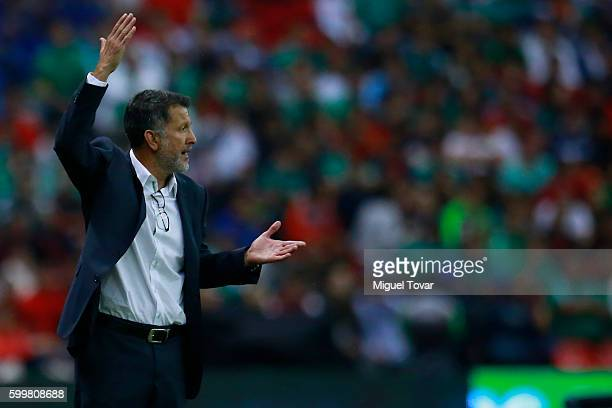 Juan Carlos Osorio coach of Mexico gives instructions during a match between Mexico and Honduras as part of FIFA 2018 World Cup Qualifiers at Azteca...