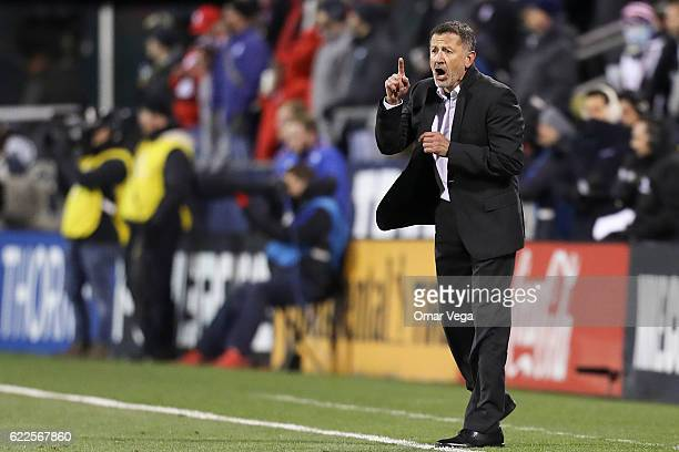 Juan Carlos Osorio coach of Mexico gives instructions during the match between USA and Mexico as part of FIFA 2018 World Cup Qualifiers at MAPFRE...