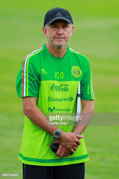 Juan Carlos Osorio coach of Mexico looks on during a training session at Centenario Stadium on August 28 2017 in Cuernavaca Mexico