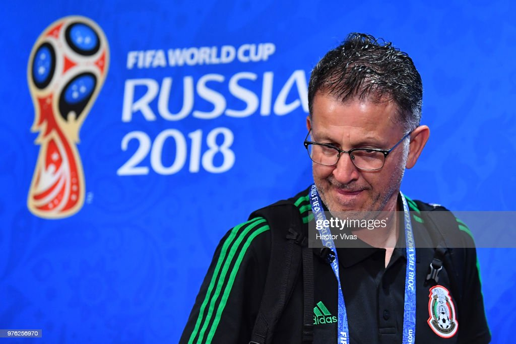 Mexico Training Session and Press Conference - 2018 FIFA World Cup Russia : News Photo