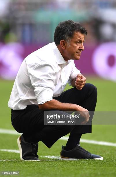 Juan Carlos Osorio Manager of Mexico looks on during the 2018 FIFA World Cup Russia Round of 16 match between Brazil and Mexico at Samara Arena on...