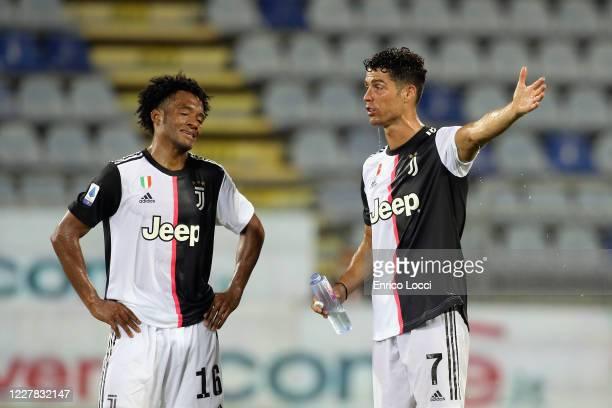 927 Ronaldo Vs Cagliari Photos And Premium High Res Pictures Getty Images