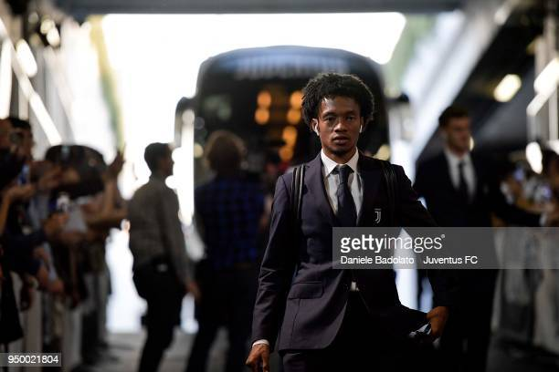 Juan Cuadrado of Juventus arrives at Allianz Stadium before the serie A match between Juventus and SSC Napoli on April 22 2018 in Turin Italy