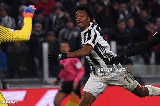 Juan Cuadrado of Juventus in action during the Serie A match between Juventus and FC Internazionale on December 9 2017 in Turin Italy