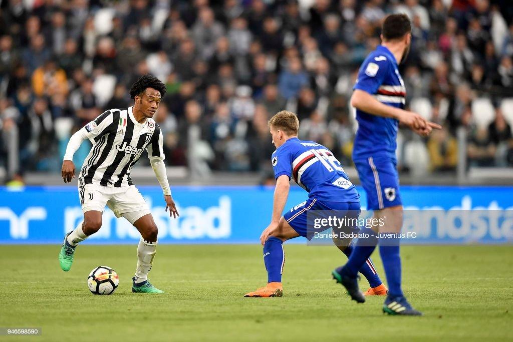 Juan Cuadrado of Juventus in action during the serie A match between Juventus and UC Sampdoria at Allianz Stadium on April 15, 2018 in Turin, Italy.