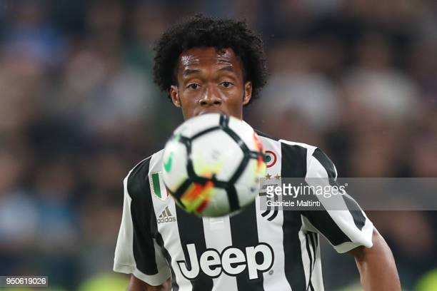 Juan Cuadrado of Juventus looks on during the serie A match between Juventus and SSC Napoli on April 22 2018 in Turin Italy Juan Cuadrado