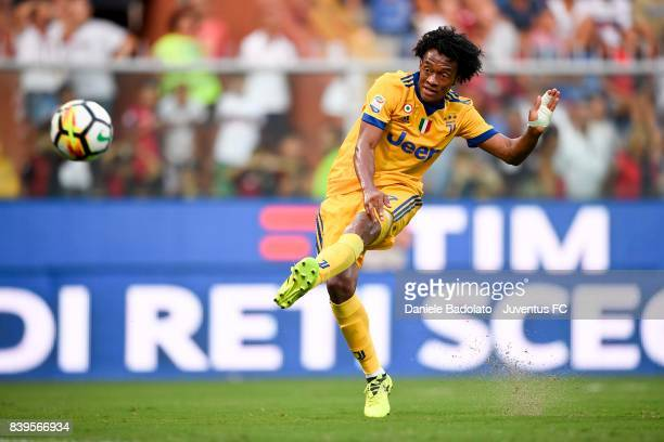 Juan Cuadrado scores a goal during the Serie A match between Genoa CFC and Juventus at Stadio Luigi Ferraris on August 26 2017 in Genoa Italy